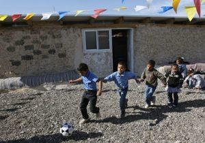 scuola di gomme nel villaggio beduino in Cisgiordania
