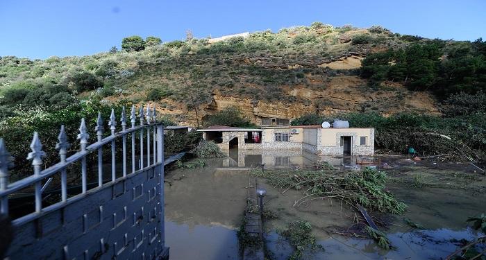 Maltempo, 34 morti per la pioggia. Troppi