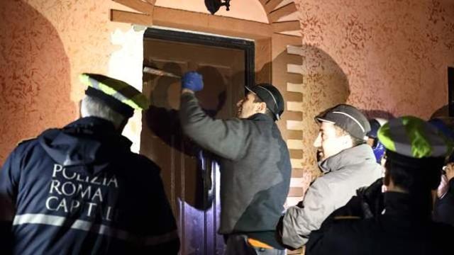 blitz_polizia_roma_capitale_villette_casamonica