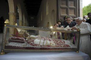 papa-celestino-V-benedetto-XVI