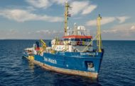 Migranti, Sea Watch 3: nuovo dramma in acque italiane
