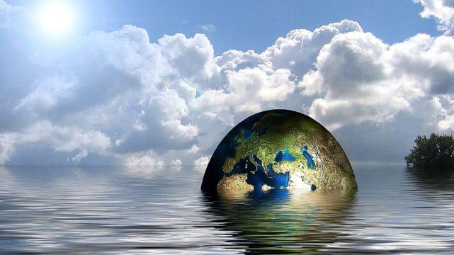 Clima, in 20 anni raddoppiate catastrofi. Atlantico mai così caldo