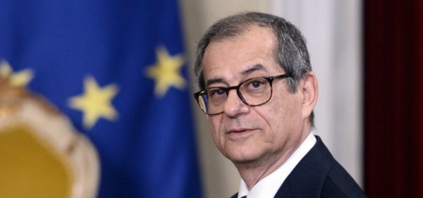 Tria: banche remano contro. Ocse, Italia in stallo