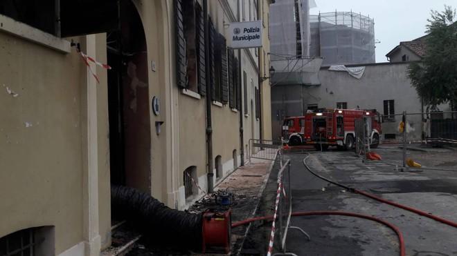 Incendio doloso con morti e feriti a Mirandola: arrestato nordafricano