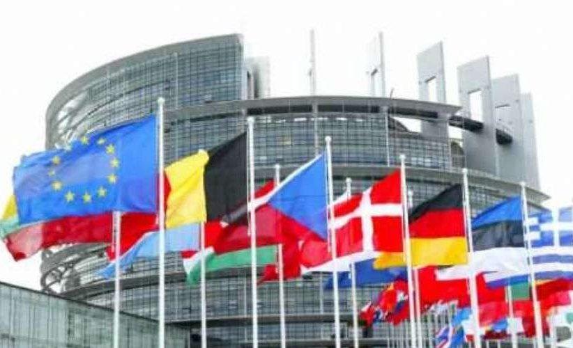 L'Europa cambia volto. Crolla l'asse franco-tedesco