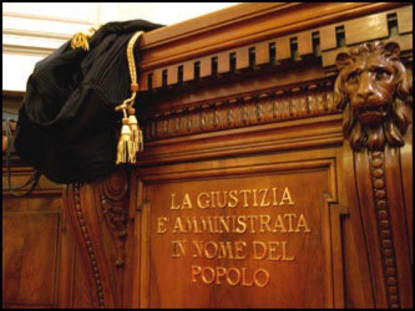 Veleni al Csm e Knox: il carcinoma giustizia Italia
