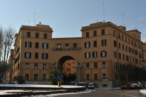 Papa: Roma, una città nel degrado e abbandono