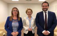M5S e la Ue. Nove voti per un giro in Croce Rossa
