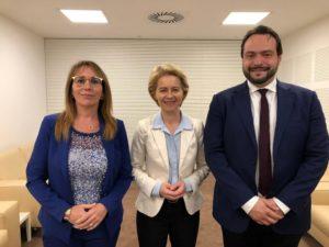 9 voti: I due europarlamentari del Movimento 5 Stelle Massimo Castaldo e Tiziana Beghin incontrano Ursula von der Leyen
