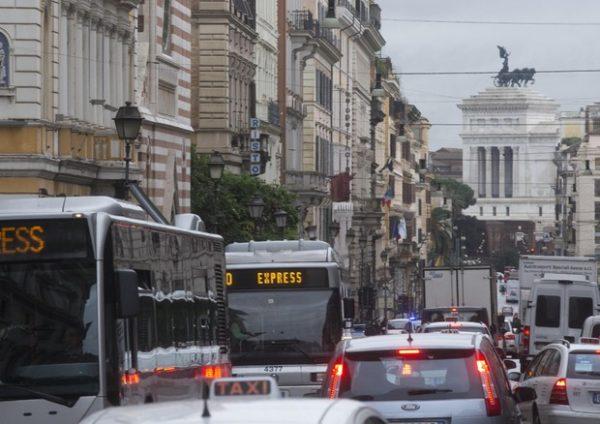 Le nostre città e la crisi dell'abitare. Indagine Confocoop-Censis