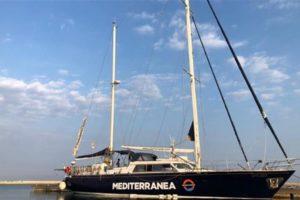 ong mediterra davanti a Lampedusa
