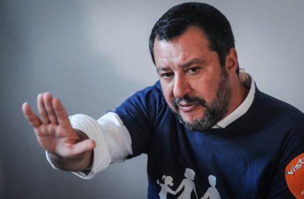 Salvini  balla da solo. L'Italia pure