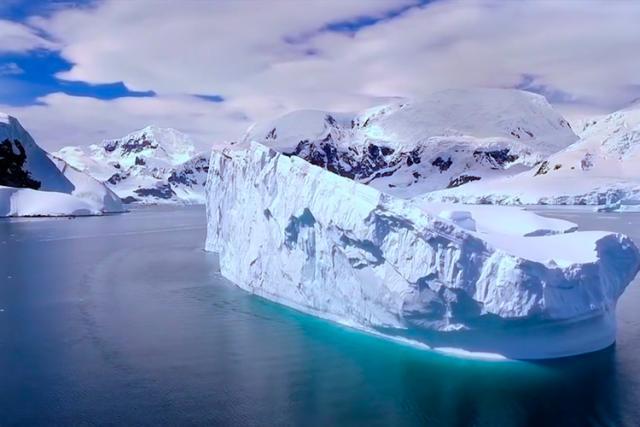Riscaldamento globale: Antartide si scioglie a tempo di record