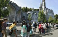 A Lourdes anche i malati di social, sempre più giovani
