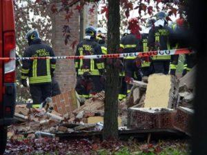 Esplode-un-edificio-tre-pompieri-morti-nellalessandrino-