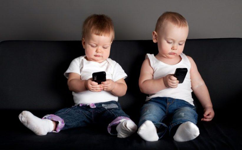 Smartphone lascia segno sul cervello dei piccoli