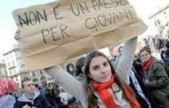 Istat, italiani in fuga. Diminuiscono anche gli immigrati
