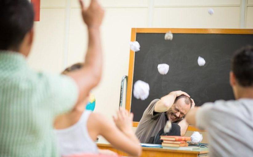 Insegnanti stanchi e demotivati. Lo dicono gli studenti