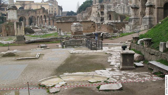scoperta al foro romano tomba Romolo