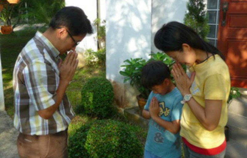 Wài, dalla Thailandia il gesto di saluto che non contamina