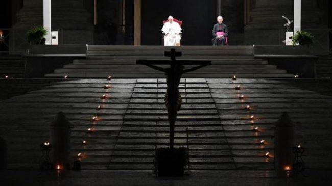 via crucis-piazza san pietro