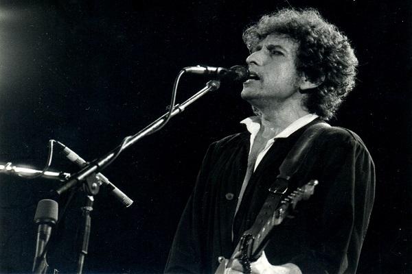 Bob Dylan, poeta della musica al traguardo degli 80